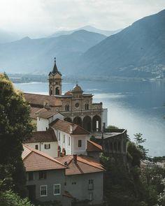 "Switzerland Tourism (@myswitzerland) en Instagram: ""The view on the famous church of Madonna del Sasso, above Locarno. @michielpieters #visitTicino…"""