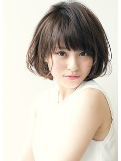 Pin on ショートボブ Short Hair With Bangs, Girl Short Hair, Short Hair Cuts, Short Bob Hairstyles, Hairstyles With Bangs, Pretty Hairstyles, Medium Hair Styles, Natural Hair Styles, Short Hair Styles