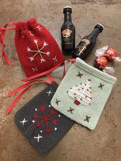 Christmas Cushions, Christmas Bags, Scandinavian Christmas, Diy Christmas Gifts, Christmas Tables, Crochet Christmas, Modern Christmas, Danish Christmas, Reindeer Christmas