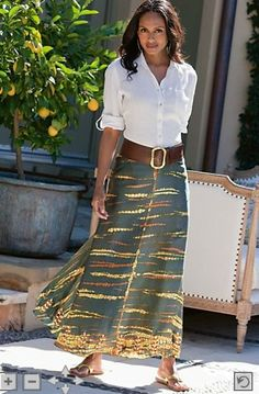Maxi skirt with wide brown leather belt