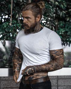 Sexy Tattooed Men, Bearded Tattooed Men, Bearded Men, Hot Guys Tattoos, Bad Boy Aesthetic, Inked Men, Beard Tattoo, Tattoo Man, Hot Hunks