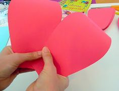 Mama's Gone Crafty: Easy Method When Building any DIY Giant Paper Flower How To Make Paper Flowers, Large Paper Flowers, Giant Paper Flowers, Diy Flowers, Paper Flower Tutorial, Flower Template, Good Tutorials, Handmade Flowers, Diy Craft Projects