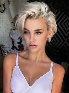 Looking for latest pixie haircuts for short hair? In this post we have compiled our latest pixie haircuts for short blonde haircuts to give bold and sexy hair looks. – Hair Styles - All For Little Girl Hair Blonde Pixie Haircut, Pixie Haircut Styles, Short Blonde Haircuts, Curly Hair Styles, Short Blonde Curly Hair, Haircut Short, Hairstyle Short, Makeup For Short Hair, Cute Short Haircuts