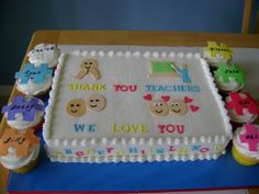 Preschool Graduation Cake french vanilla cake, iced and filled with vanilla buttercream. Graduation Crafts, Kindergarten Graduation, Graduation Cake, Teachers Day Cake, Slab Cake, French Vanilla Cake, Cake Decorating Piping, Cake Central, Grad Parties