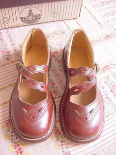 Girl's Vintage Brown Leather Mary Janes Shoes