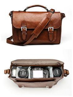 I want this camera case sooooooo much!!! It's the most beautiful thing I've ever seen ^O^!!!