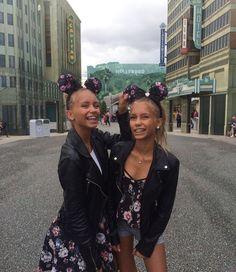Lisa and Lena is me idol   ❤❤