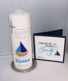 Taufkerze mit passender Einladungskarte Pillar Candles, Invitation Cards, Candles, Invitations, Decorating