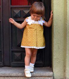 Chuli-Chuli moda infantil ❤️❤️❤️ todo echo a mano de edición limitada 🌝🌝🌝 está disponible 💟Vestido 30€+ cubre pañal a juego 10€💟 #chulichuli #modainfantil #instafashion #fashionista #bebemodelo #pelele #vestido #klmn #madrid #españa #echoamano