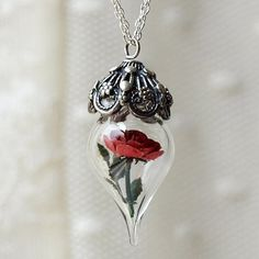 a piece from Margaery Tyrell's jewelry box