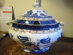 Booths A8025 Real Old Willow  Soup Tureen 1st Quality Very good Condition