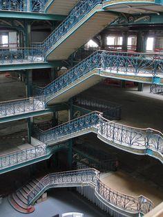 La Samaritaine - Fermée en 2005, pour être reconverti Palace, bureaux etc... So bad ! Paris 1er, France