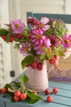 Such a natural and pretty vase of flowers. Are they crabapples in there as well? Fresh Flowers, Pink Flowers, Beautiful Flowers, Cosmos Flowers, Flower Farm, My Flower, Beautiful Flower Arrangements, Floral Arrangements, Floral Centerpieces