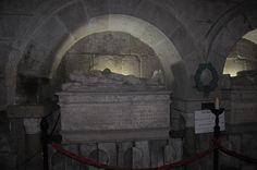 Túmulo do Conde D. Henrique, na Sé de Braga Portugal