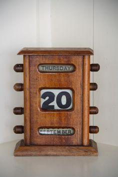 Edwardian Mahogany Desktop Perpetual Calendar