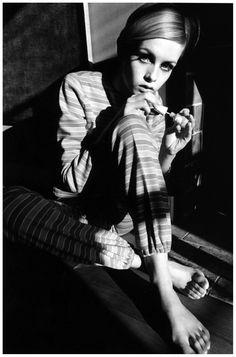 Jeanloup Sieff fue un fotógrafo francés, famoso por sus retratos de celebridades y su fotografía de moda para distintas revistas de este rubro. Nació en París el 30 de Noviembre de 1933; comenzó de…