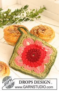 """DROPS 120-59 - DROPS crochet pot holders with squares in """"Paris"""". - Free pattern by DROPS Design"""