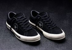 It's been the best year for footwear fans, ever. Here are Looped's top picks of the best sneaker drops. Best Sneakers, Sneakers Fashion, Converse All Star, Converse Chuck Taylor, Splendid Shoes, Flannel Outfits, Custom Converse, One Star, Mens Fashion
