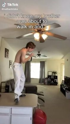 Funny Vidos, Funny Laugh, Funny Relatable Memes, Stupid Funny, Funny Fails, Funny Posts, Hilarious, One Direction Videos, One Direction Humor
