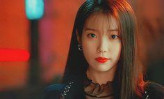 Korean Actresses, Korean Actors, Actors & Actresses, Iu Gif, Warner Music, Moon Lovers, Aesthetic Gif, Beautiful Inside And Out, Fandom