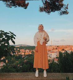 Modern Hijab Fashion, Street Hijab Fashion, Hijab Fashion Inspiration, Muslim Fashion, Modest Fashion, Hijab Fashion Instagram, Outfit Instagram, Casual Hijab Outfit, Hijab Chic