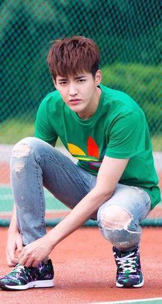 Kris so young Exo Korean, Korean Men, Asian Men, Korean Actors, Kris Wu, Baekhyun, Rapper, Kim Minseok, Wu Yi Fan