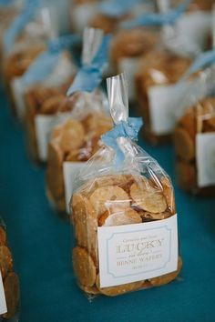 Romantic and beautiful, winter weddings can be extra special with winter themed wedding favors. Nautical Wedding Favors, Seed Wedding Favors, Vintage Wedding Favors, Edible Wedding Favors, Baby Favors, Bridal Shower Favors, Rustic Seating Charts, Wedding Reception Seating, Edible Favors