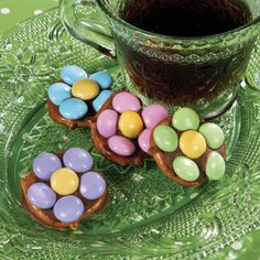 Flower Pretzels- cute idea to make with the kids this spring