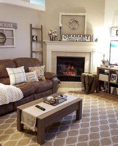 Gorgeous 35 Awesome Farmhouse Living Room Ideas https://homeylife.com/35-awesome-farmhouse-living-room-ideas/