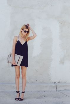 Can never go wrong with a simple black dress, no matter the season! #Black #Dresses #Simple