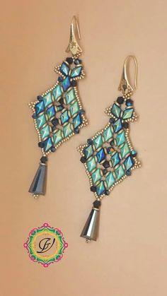 Jewelry Design Earrings, Red Earrings, Seed Bead Earrings, Unique Earrings, Beautiful Earrings, Beaded Earrings, Beaded Jewelry, Handmade Jewelry, Beaded Bracelets