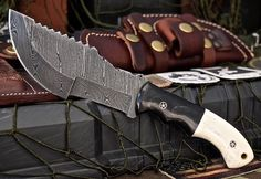 CFK USA Custom Handmade Damascus TRACKER