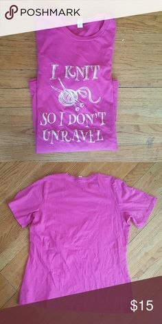 WOMENS KNITTING T SHIRT PINK WOMENS SHORT SLEEVE  T SHIRT CREW NECK PRINT T PINK I KNIT SO I DON'T UNRAVEL Size large Euc Vintage Tops Tees - Short Sleeve