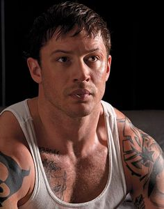 """Tom Hardy was a beast in """"Warrior""""!  (And so very hot.)"""
