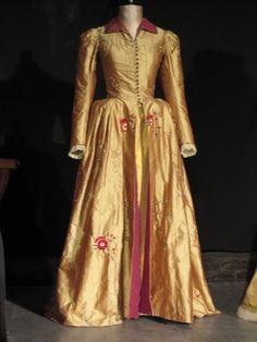 Elizabeth dressing gown from HBO mini series starring Helen Mirren