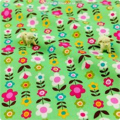 Flowers - green floral cotton fabric FQ1305-17