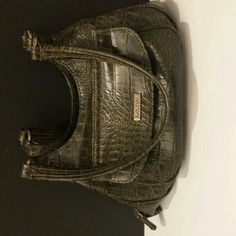 Green purse Alligator skin looking green purse!  9 1/2 inches wide and 6 inches tall koltov Bags Shoulder Bags