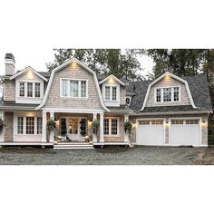 Why Using Gambrel Roof on Your Traditional House or Barn? Heres Why 2019 771 Likes 27 Comments Andy Friesen Hamptons Style Homes, Hamptons House, Nantucket Style Homes, Shingle Style Homes, Estilo Hampton, Dutch Colonial Homes, Dutch Colonial Exterior, Gambrel Roof, Gambrel Barn