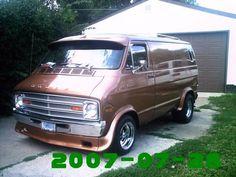 Old Vintage Cars, Vintage Vans, Vintage Trucks, Dodge Van, Chevy Van, Customised Vans, Custom Vans, Dodge Trucks, Jeep Truck