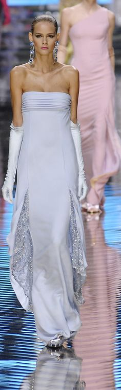 Valentino ~ Pale Lavender Strapless Gown w Embellished Skirt Insets 2014 Fashion Moda, Runway Fashion, High Fashion, Pastel Fashion, Valentino Couture, Valentino Women, Valentino Garavani, Armani Prive, Style Rose