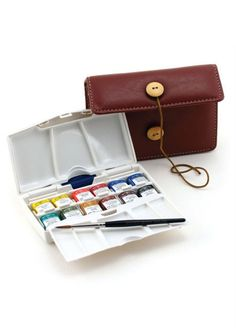 Winsor & Newton Artists' Watercolor Pocket Plus Traveler....i..i mean..how does this even exist?!!