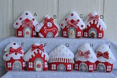 Sewing Christmas Bunting 59 New Ideas Christmas Bunting, Handmade Christmas Decorations, Felt Decorations, Felt Christmas Ornaments, Christmas Sewing, Christmas Diy, Christmas Houses, Holiday, Xmas Crafts