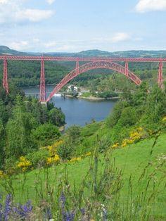 Viaduct de garbit, is een spoorbrug.