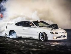 One way to camouflage. Create a smokescreen with raw power! Australian Muscle Cars, Aussie Muscle Cars, Holden Australia, Pontiac G8, Holden Commodore, Car Memes, Up In Smoke, Road Racing, Sexy Cars