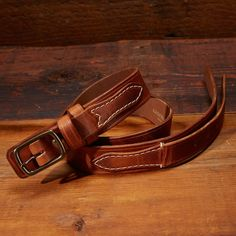 The traditional style of the original ranger belt, the billet is sewn onto the base of the belt with contrasting stitching; adding to the classic design. The o