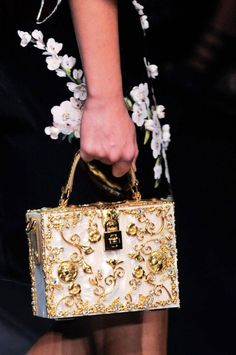2014_-Runways_-Bags_-Trends_www.FashionEnds.com-5 20 Latest Bag Trends in 2017 ... [UPDATED]