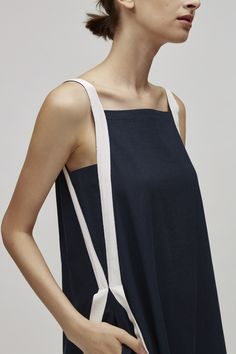 Ribbon Linen Dress - Ribbon Midi Dess Source by - Fashion Details, Fashion Design, Fashion Tips, Fashion Trends, Medieval Dress, Linen Dresses, Mode Style, Ideias Fashion, Fashion Accessories