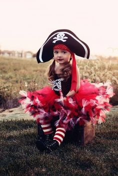 Shell be the cutest pirate in town! Costume includes hat, legwarmers, and petti-tutu dress. I can also do this in hot pink and black! Perfect for Halloween or a pirate themed birthday party