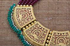 Fancy Jewellery, Royal Jewelry, Vintage Jewellery, Cute Jewelry, Jewelry Necklaces, Beaded Necklace, Gold Earrings Designs, Necklace Designs, Indian Wedding Jewelry
