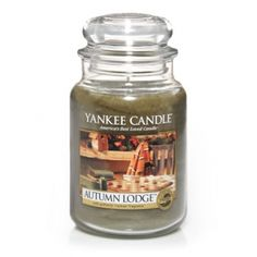 Yankee Candle Autumn Lodge Scented Candle : Mellow as a fall afternoon, the aroma of aged woods and a glowing hearth bids a timeless welcome.
